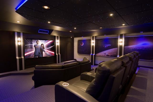 rạp chiếu phim được trang trí với việc mang cả bầu trời đêm vào không gian rạp phim. Tạo cảm giác thư giãn, thoải mái cho quý khách hàng khi đến với dịch vụ của bạn. Góp phần rất quan trọng trong việc mang tới vẻ đẹp độc đáo, riêng cho không gian. Cũng như thông qua trần sao nhân tạo rạp phim để thể hiện được sự cảm nhận về tính thẩm mỹ của bạn, thu hút nhiều khách hàng hơn.