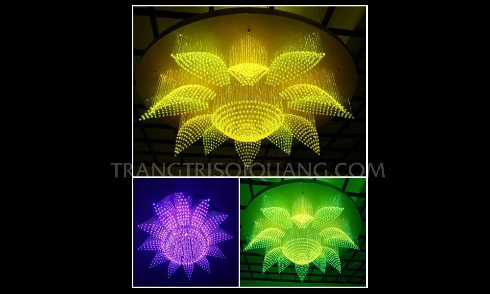 Đèn chùm pha lê sợi quang lấy cảm hứng từ hình ảnh thiên nhiên đan xen hài hòa với công nghệ sợi quang, đèn sợi quang như một tác phẩm nghệ thuật đặc sắc. Khi quý khách chiếm hữu sản phẩm, nó sẽ là một điểm nhấn tạo nên đẳng cấp cho bất kỳ không gian nào của quý khách.