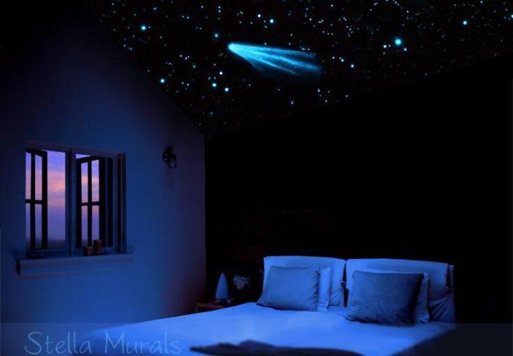Trần sao nhân tạo phòng ngủ là lựa chọn hoàn hảo để tạo ra một bầu trời ngàn sao lấp lánh cho không gian phòng của bạn. Trần sao phòng ngủ tạo cho bạn một cảm giác như đang ngồi ngắm cảnh giữa thiên nhiên. Còn mang đến cảm giác ấm áp, tạo cảm giác thoải mái cho bạn, giúp bạn có một giấc ngủ ngon hơn.